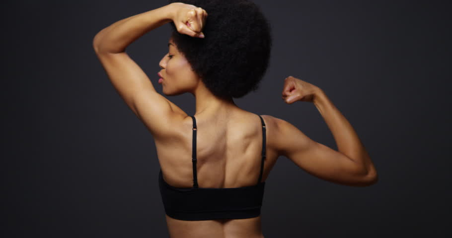4 Strength Moves Every Woman Should Include In Her Workout